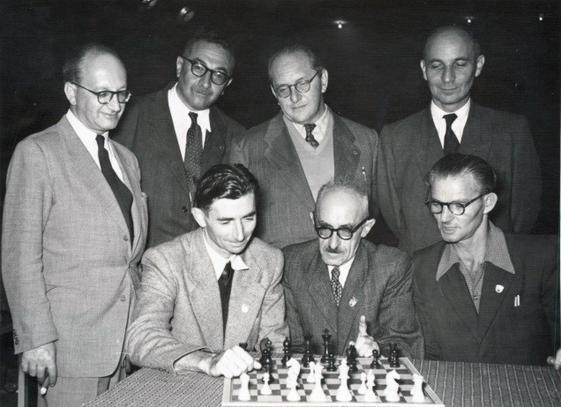 שחמט בישראל  – שנותיה הראשונות של המדינה/שחר אלוני