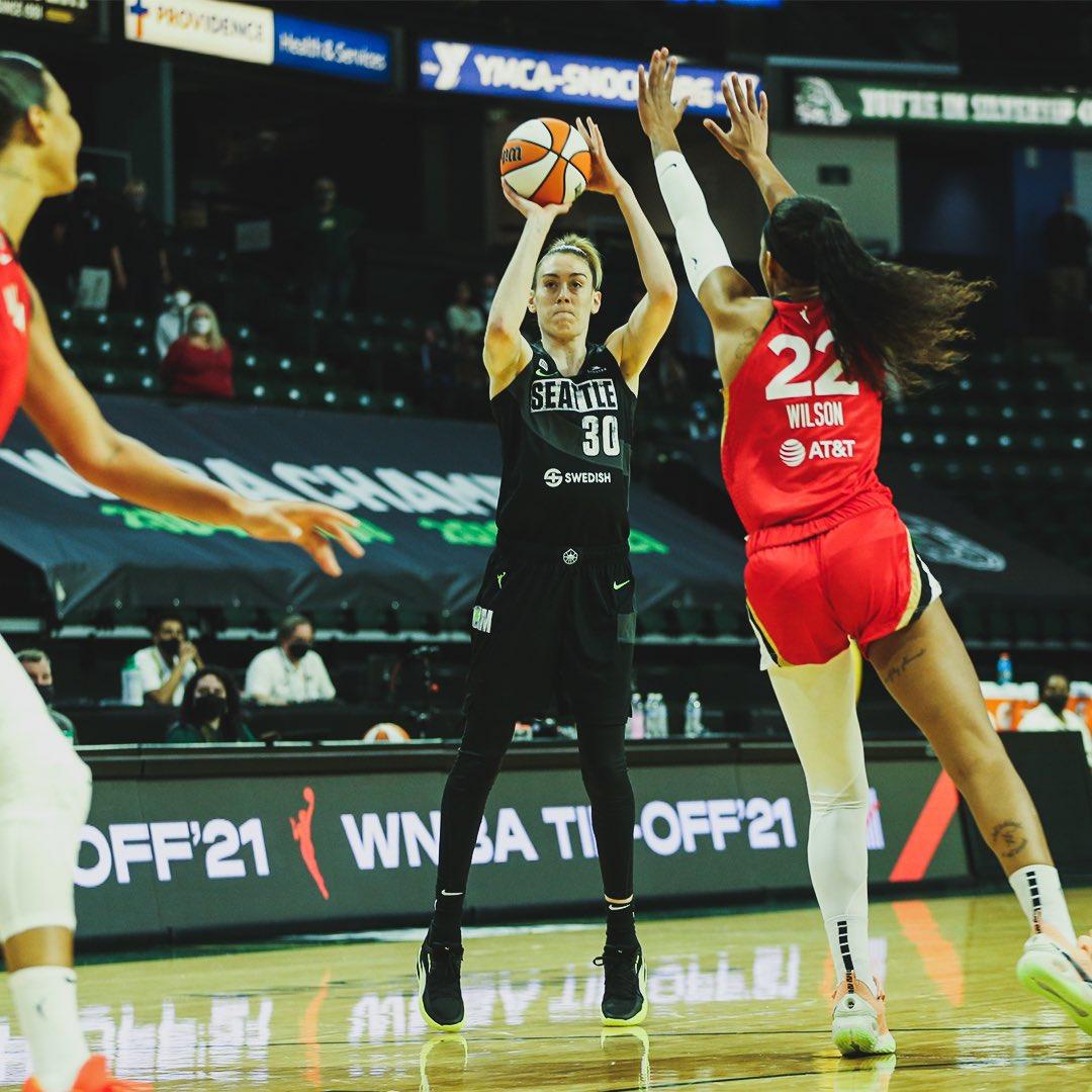 האלופה עדיין אלופה / משחקי ה-15 במאי, WNBA / יאן מלניקוב