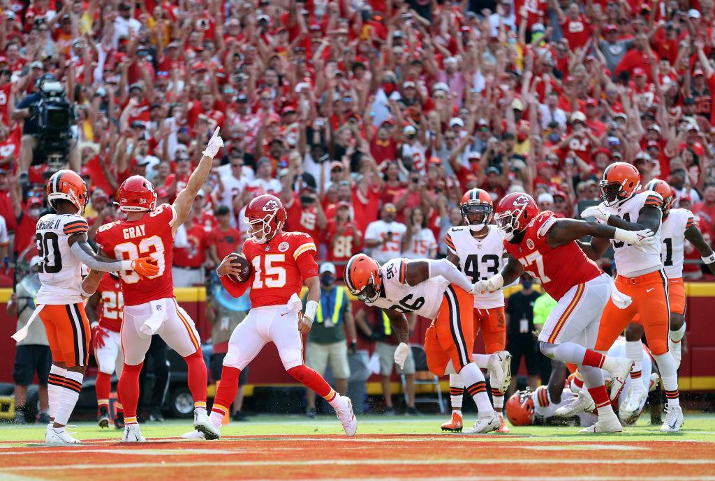 """כה ציפיתי ליום, והגיע! – סיכום מחזור ראשון ב-NFL / צוות """"הופס"""" פוטבול"""