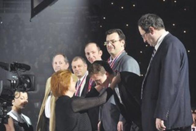 שחמט בישראל בשנות ה 2000 – גלפנד מגיע ואיתו המדליות והשגי השיא של כל הזמנים לישראל/שחר אלוני